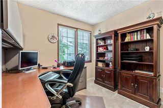 Photo 15: 16 WOODFIELD Court SW in Calgary: Woodbine Detached for sale : MLS®# C4266334