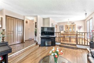Photo 8: 16 WOODFIELD Court SW in Calgary: Woodbine Detached for sale : MLS®# C4266334