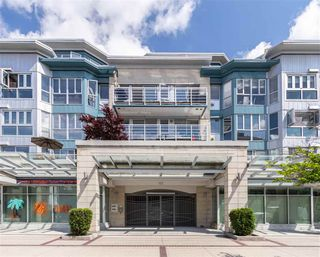 "Photo 30: 405 122 E 3RD Street in North Vancouver: Lower Lonsdale Condo for sale in ""Sausalito"" : MLS®# R2456600"