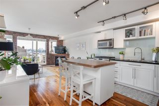 "Photo 14: 405 122 E 3RD Street in North Vancouver: Lower Lonsdale Condo for sale in ""Sausalito"" : MLS®# R2456600"