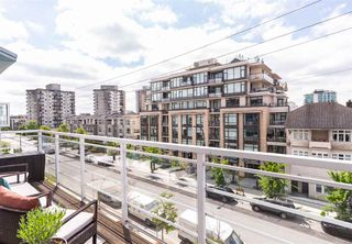 "Photo 27: 405 122 E 3RD Street in North Vancouver: Lower Lonsdale Condo for sale in ""Sausalito"" : MLS®# R2456600"