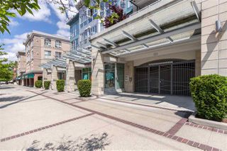 "Photo 31: 405 122 E 3RD Street in North Vancouver: Lower Lonsdale Condo for sale in ""Sausalito"" : MLS®# R2456600"