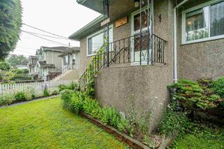 Photo 3: 1736 E 28TH Avenue in Vancouver: Victoria VE House for sale (Vancouver East)  : MLS®# R2468867
