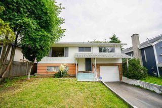 Main Photo: 15885 BUENA VISTA Avenue: White Rock House for sale (South Surrey White Rock)  : MLS®# R2480186
