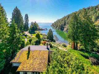 "Photo 2: 4777 PILOT HOUSE Road in West Vancouver: Olde Caulfeild House for sale in ""Tiddly Cove"" : MLS®# R2497367"