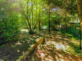"Photo 9: 4777 PILOT HOUSE Road in West Vancouver: Olde Caulfeild House for sale in ""Tiddly Cove"" : MLS®# R2497367"