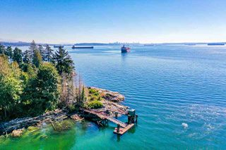 "Photo 15: 4777 PILOT HOUSE Road in West Vancouver: Olde Caulfeild House for sale in ""Tiddly Cove"" : MLS®# R2497367"