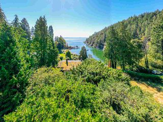"Photo 17: 4777 PILOT HOUSE Road in West Vancouver: Olde Caulfeild House for sale in ""Tiddly Cove"" : MLS®# R2497367"