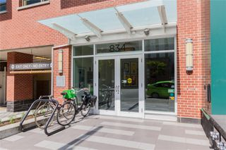 Photo 2: 505 834 Johnson St in : Vi Downtown Condo for sale (Victoria)  : MLS®# 857303