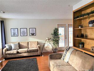 Photo 3: 210 Ash Street in Outlook: Residential for sale : MLS®# SK838873