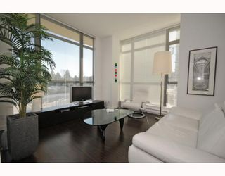 "Photo 4: 708 121 BREW Street in Port Moody: Port Moody Centre Condo for sale in ""ROOM/SUTERBROOK VILLAGE"" : MLS®# V811100"