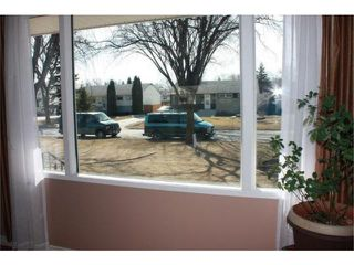 Photo 10: 605 Mark Pearce Avenue in WINNIPEG: North Kildonan Residential for sale (North East Winnipeg)  : MLS®# 1004305