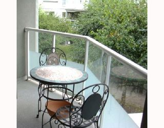 Photo 9: 205 68 RICHMOND Street in New_Westminster: Fraserview NW Condo for sale (New Westminster)  : MLS®# V729345