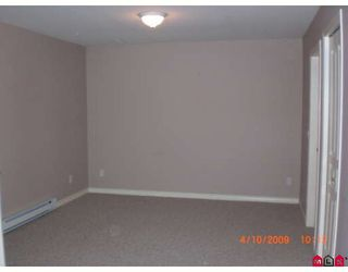 """Photo 4: 24 2525 YALE Court in Abbotsford: Abbotsford East Townhouse for sale in """"YALE COURT"""" : MLS®# F2908268"""