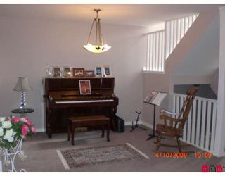 """Photo 3: 24 2525 YALE Court in Abbotsford: Abbotsford East Townhouse for sale in """"YALE COURT"""" : MLS®# F2908268"""
