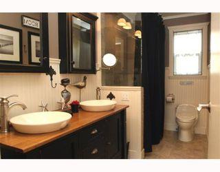 "Photo 7: 1621 ENDERBY Avenue in Tsawwassen: Beach Grove House for sale in ""BEACH GROVE"" : MLS®# V762630"