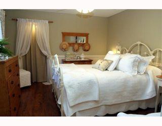 "Photo 8: 1621 ENDERBY Avenue in Tsawwassen: Beach Grove House for sale in ""BEACH GROVE"" : MLS®# V762630"