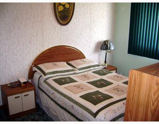 Photo 8: 241 GATEWAY Road in WINNIPEG: East Kildonan Residential for sale (North East Winnipeg)  : MLS®# 2912436