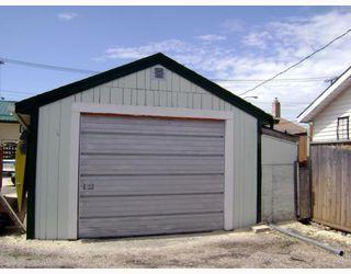Photo 10: 241 GATEWAY Road in WINNIPEG: East Kildonan Residential for sale (North East Winnipeg)  : MLS®# 2912436