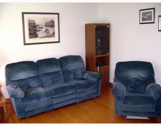 Photo 4: 241 GATEWAY Road in WINNIPEG: East Kildonan Residential for sale (North East Winnipeg)  : MLS®# 2912436