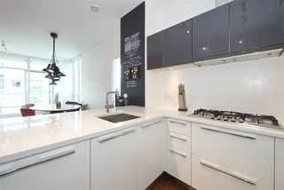 "Photo 4: 709 108 E 1 Avenue in Vancouver: Mount Pleasant VE Condo for sale in ""MECCANICA"" (Vancouver East)  : MLS®# R2404734"