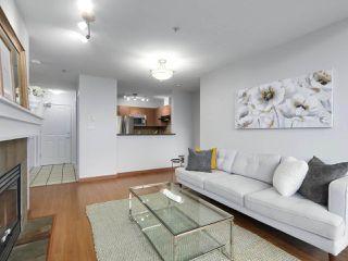 """Photo 8: 402 3161 W 4TH Avenue in Vancouver: Kitsilano Condo for sale in """"Bridgewater"""" (Vancouver West)  : MLS®# R2415092"""