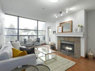 """Photo 3: 402 3161 W 4TH Avenue in Vancouver: Kitsilano Condo for sale in """"Bridgewater"""" (Vancouver West)  : MLS®# R2415092"""