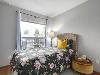 """Photo 12: 402 3161 W 4TH Avenue in Vancouver: Kitsilano Condo for sale in """"Bridgewater"""" (Vancouver West)  : MLS®# R2415092"""