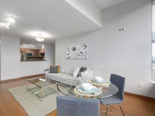 """Photo 7: 402 3161 W 4TH Avenue in Vancouver: Kitsilano Condo for sale in """"Bridgewater"""" (Vancouver West)  : MLS®# R2415092"""