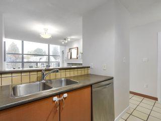 """Photo 11: 402 3161 W 4TH Avenue in Vancouver: Kitsilano Condo for sale in """"Bridgewater"""" (Vancouver West)  : MLS®# R2415092"""