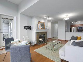 """Photo 6: 402 3161 W 4TH Avenue in Vancouver: Kitsilano Condo for sale in """"Bridgewater"""" (Vancouver West)  : MLS®# R2415092"""