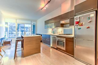 """Photo 3: 201 1252 HORNBY Street in Vancouver: Downtown VW Condo for sale in """"PURE"""" (Vancouver West)  : MLS®# R2419767"""