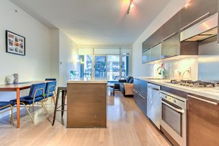 """Photo 4: 201 1252 HORNBY Street in Vancouver: Downtown VW Condo for sale in """"PURE"""" (Vancouver West)  : MLS®# R2419767"""