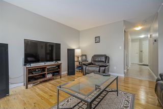 """Photo 4: 22 2803 MARBLE HILL Drive in Abbotsford: Abbotsford East Townhouse for sale in """"Marble Hill Place"""" : MLS®# R2455033"""