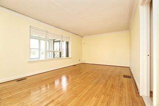 Photo 5: 233 Falstaff Avenue in Toronto: Maple Leaf House (Bungalow) for sale (Toronto W04)  : MLS®# W4815222