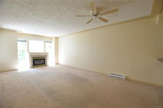 Photo 9: 211 400 Dupplin Rd in : SW Rudd Park Condo for sale (Saanich West)  : MLS®# 850778