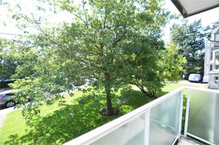 Photo 11: 211 400 Dupplin Rd in : SW Rudd Park Condo for sale (Saanich West)  : MLS®# 850778