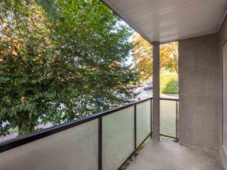 "Photo 12: 3 25 GARDEN Drive in Vancouver: Hastings Condo for sale in ""25 Garden Drive"" (Vancouver East)  : MLS®# R2503219"
