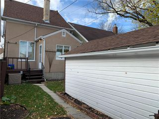 Photo 11: 889 Valour Road in Winnipeg: West End Residential for sale (5C)  : MLS®# 202025634