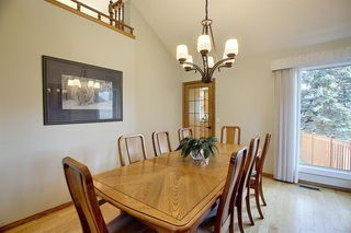 Photo 9: 84 Strathdale Close SW in Calgary: Strathcona Park Detached for sale : MLS®# A1046971