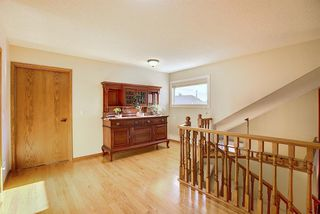 Photo 32: 84 Strathdale Close SW in Calgary: Strathcona Park Detached for sale : MLS®# A1046971