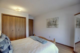 Photo 27: 84 Strathdale Close SW in Calgary: Strathcona Park Detached for sale : MLS®# A1046971