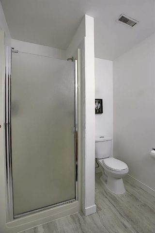 Photo 41: 84 Strathdale Close SW in Calgary: Strathcona Park Detached for sale : MLS®# A1046971