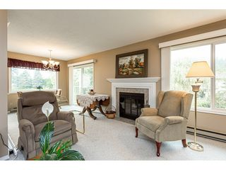 Photo 5: 11 3350 Elmwood Drive in Abbotsford: Central Abbotsford Townhouse for sale : MLS®# R2515809