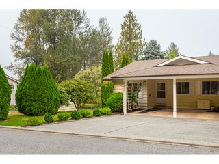 Photo 3: 11 3350 Elmwood Drive in Abbotsford: Central Abbotsford Townhouse for sale : MLS®# R2515809
