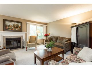 Photo 4: 11 3350 Elmwood Drive in Abbotsford: Central Abbotsford Townhouse for sale : MLS®# R2515809