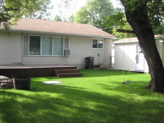 Photo 3: 311 WHYTEWOLD Road in WINNIPEG: St James Residential for sale (West Winnipeg)  : MLS®# 1017803