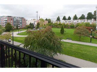 "Photo 10: 362 2175 SALAL Drive in Vancouver: Kitsilano Condo for sale in ""SAVONA"" (Vancouver West)  : MLS®# V853125"