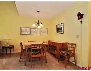 "Photo 5: 16 8737 212TH Street in Langley: Walnut Grove Townhouse for sale in ""CHARTWELL GREEN"" : MLS®# F2824690"