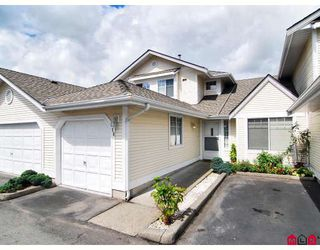 "Photo 1: 16 8737 212TH Street in Langley: Walnut Grove Townhouse for sale in ""CHARTWELL GREEN"" : MLS®# F2824690"